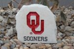 OKLAHOMA SOONERDESK STONE WITH LOGO AND TEXT OKLAHOMA SOONERS